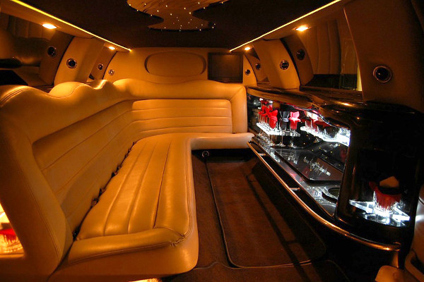8 Person Lincoln Limo Service Syracuse